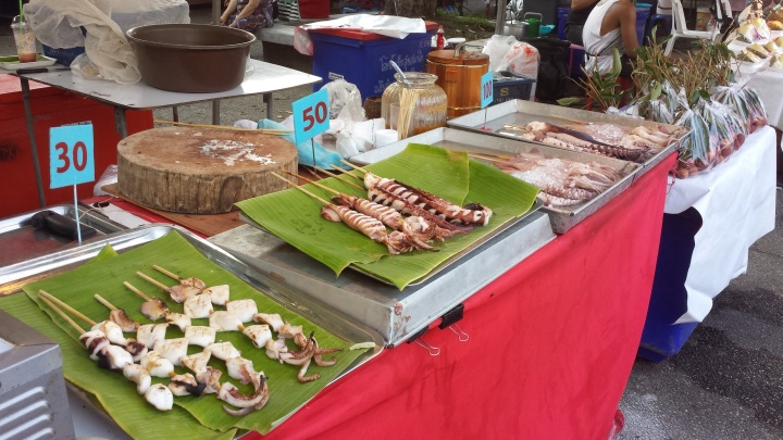 Hooray for street food! I particularly like the squids at the food stalls.