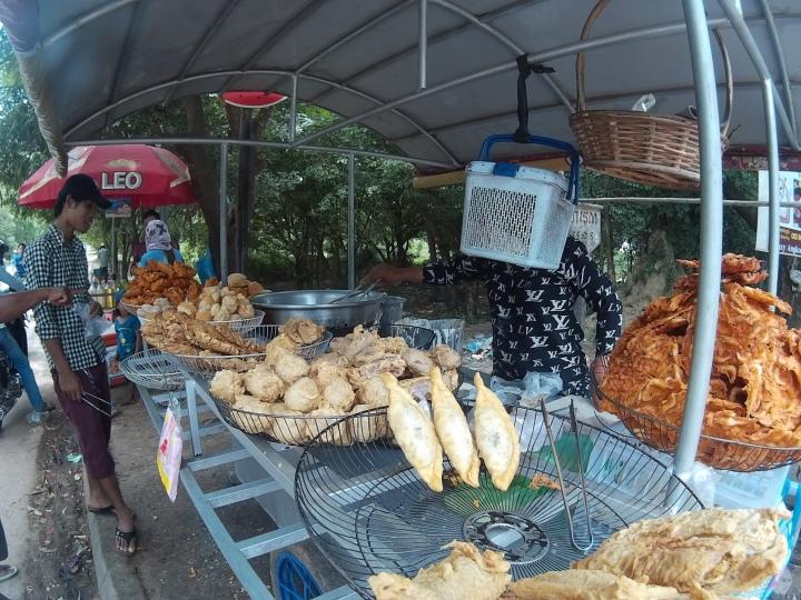 Deep fried snack stall near their apartment! They had stuff like banana, sweet potato, taro, shrimps, etc.