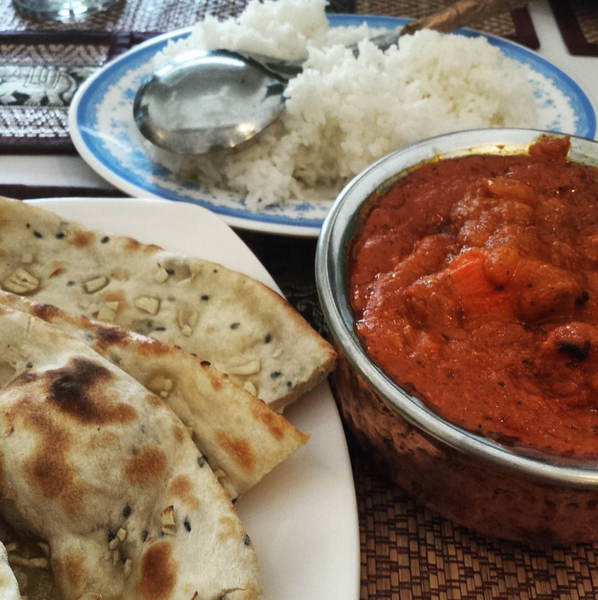 Wanted to have the Butter Chicken again but decided to try something new - Chicken Tikka Masala! Not forgetting my fav Garlic Naan. Perfect meal to last me the whole day/ night!